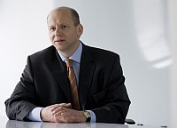 Dr. Bernd Schlobohm