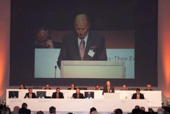 QSC-Hauptversammlung am 19. Mai 2011 im Kölner Gürzenich: Aufsichtsratchef Herbert Brenke leitet die Hauptversammlung souverän.