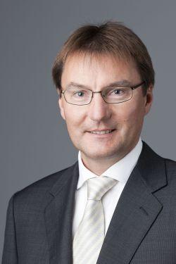 Thomas Stoek, Chef der INFO AG und Vorstand der QSC AG.Thomas Stoek, Chef der INFO AG und Vorstand der QSC AG.Thomas Stoek, Chef der INFO AG und Vorstand der QSC AG.