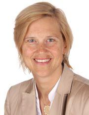 Barbara Nuhn: Die gelernte Kauffrau und studierte Juristin arbeitet seit November 2011 als Ausbildungsleiterin bei der INFO AG in Hamburg.