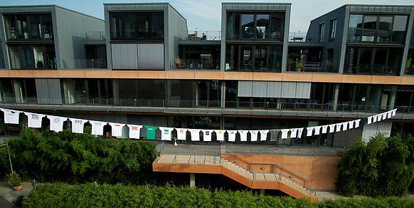 Wir vernetzen Köln - T-Shirts zur Internetwoche Köln 2012.