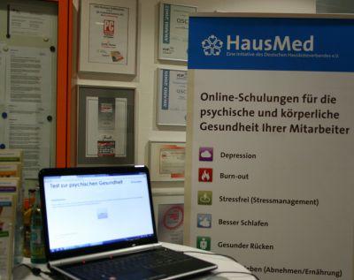 HausMed: Der Gesundheitsdienstleister im Bereich Online-Verhaltensschulungen bot unter anderem Tests zur psychischen Gesundheit an.