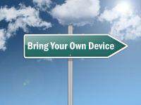 "Signpost ""BYOD - Bring Your Own Device"". Foto: © mindscanner - Fotolia.com"