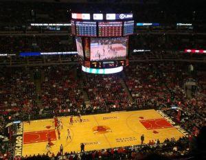 """Basketball vom Feinsten: Playoff-Spiel zwischen den """"Chicago Bulls"""" und den """"Washington Wizards"""". Foto: Tim Konopka / QSC AG."""