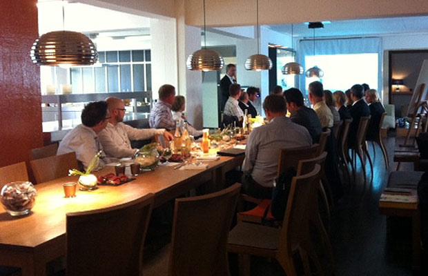 Bei einem zünftigen Weißwurstfrühstück lassen sich IT-Themen doch gleich viel entspannter diskutieren. Foto: QSC