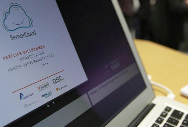 """Herzlich Willkomen zur """"SensorCloud""""-Abschluss-Veranstaltung. Foto: Dennis Knake / QSC AG."""