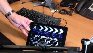 Ausbildungsprojekt Imagefilm: Das neue QSC-Video handelt von der Ausbildung im Unternehmen und wird auch von Azubis produziert. Sie stehen vor der Kamera, sind aber auch für Organisation und Abläufe zuständig. Foto: QSC AG.