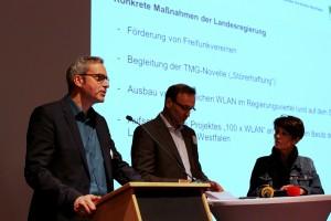Jürgen Hein, Andreas Lautz und Kordula Attermeyer von der Staatskanzlei NRW auf ihrer Freifunk Session. Foto: (cc by 2.0) Kata Evertz/Cortex Digital