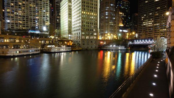 Chicago bei Nacht. Foto: © QSC AG / Patrick Laube.
