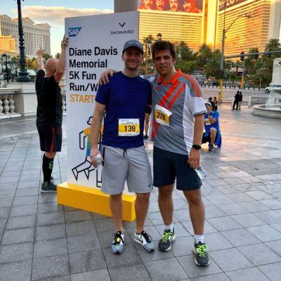 Sportlich für den guten Zweck: Die beiden QSCler nahmen auch am Diane Davis Run teil. Foto: © QSC AG.