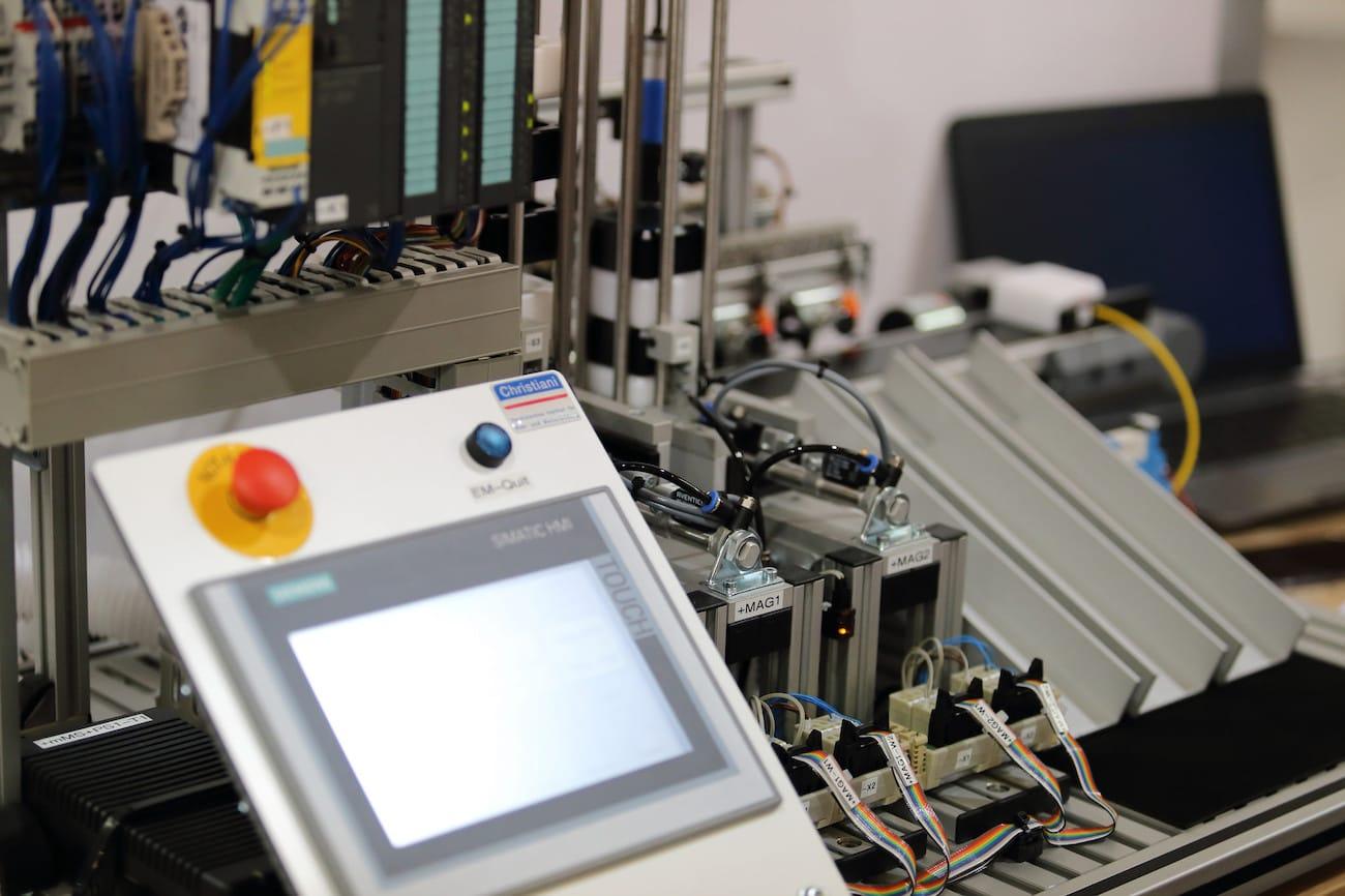 Eine Werkzeugmaschine mit Anbindung an das Internet der Dinge
