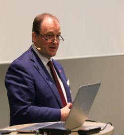 Bert Wilden, Geschäftsführer der Plusnet GmbH, bei der Partnerkonferenz 2018. Foto: © QSC AG / Daniela Eckstein.