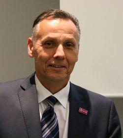 Max Kammerloher, Leiter des Indirekten Vertriebs und Gastgeber der Plusnet-Partnerkonferenz 2018. Foto: © QSC AG / Daniela Eckstein.