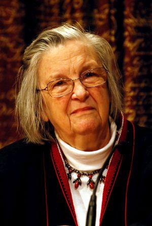 Elinor Ostrom erhielt 2009 den Nobelpreis für Wirtschaftswissenschaften. Bild: © Holger Motzkau 2010, Wikipedia/Wikimedia Commons (cc-by-sa-3.0)