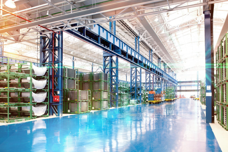 Um auch zukünftig erfolgreich zu sein, gehen immer mehr Maschinenbauunternehmen ins Industrial Internet of Things (IIoT). Bild: © Filip Krstic / Shutterstock.com