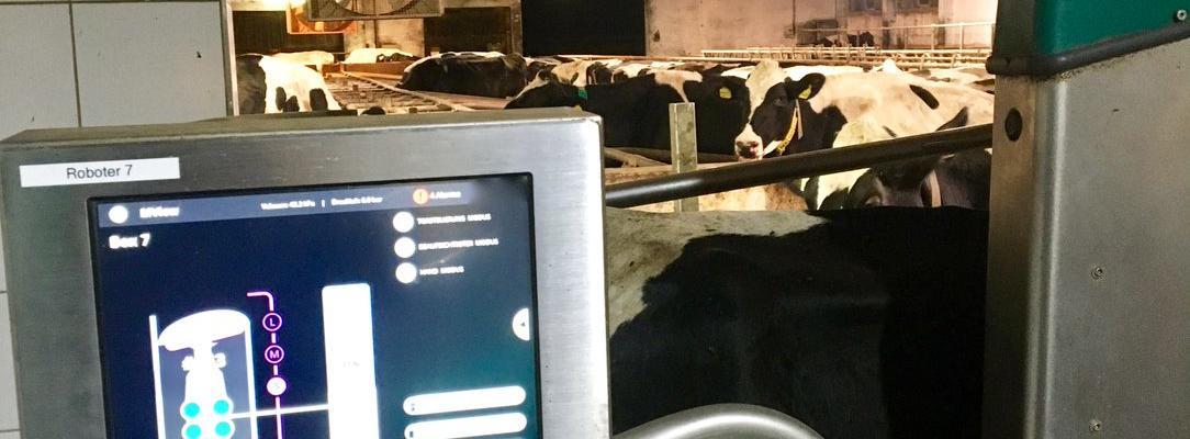 Der Kuhstall 4.0 umfasst nicht nur die Umstellung der Melktechnik, sondern auch Maßnahmen zum Stallumbau und zum Management des Gesamtsystems. Bild: © Andreas Stiehler.