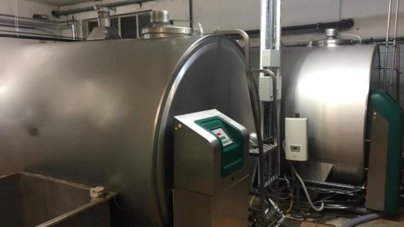 Ein digitalisierter Milchtank ist wichtiger Bestandteil des Kuhstalls 4.0. Bild: © Andreas Stiehler.