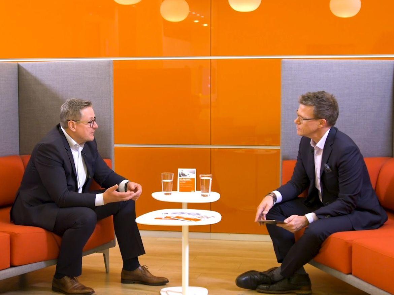 QSC-Vorstand und -CEO Jürgen Hermann (li.) im Videointerview mit dem renommierten ZDF-Moderator und Redakteur Ralph Szepanski. Quelle: welt.de